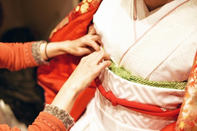 衿元の美しさは着姿の最重要事項