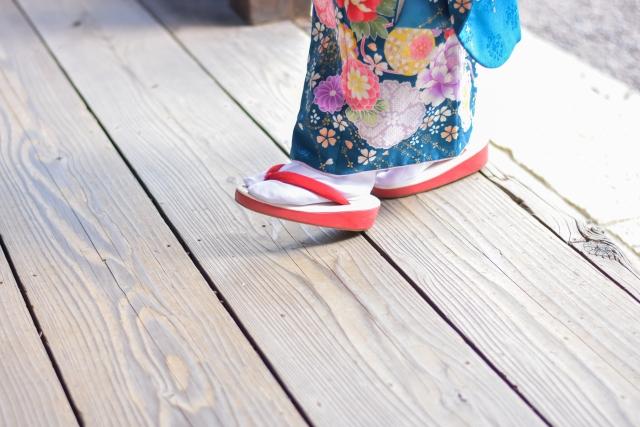 足袋の弱点をカバーする『足袋カバー』と『インナー足袋』